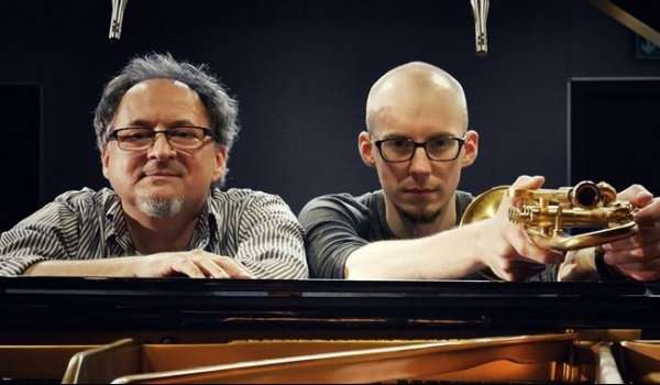 Going. | Piotr Schmidt Quartet Saxesful - Impart