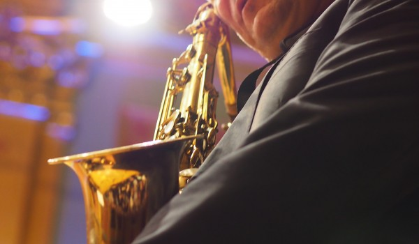 Going. | Saxmania 2019 – Mistrzowie saksofonu - Centrum Kultury Dwór Artusa