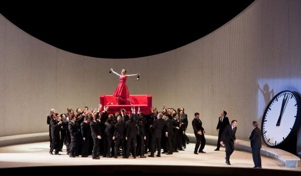 Going. | La Traviata // Metropolitan Opera - Centrum Sztuki Filmowej