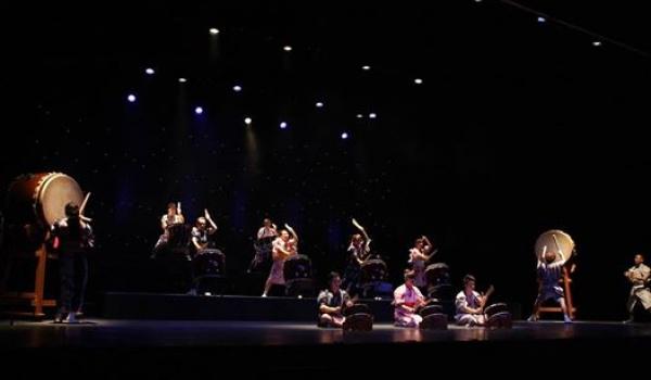 Going. | Wadaiko Daigen-Gumi – koncert zespołu japońskich bębniarzy - Muzeum Sztuki i Techniki Japońskiej Manggha
