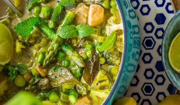 Going. | Warsztaty: Rozgrzej się! Zjedz curry! - Book&Cook