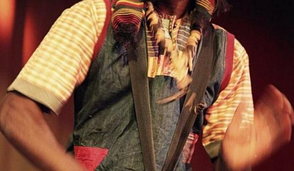 Going. | Warsztaty gry na djembe z Amadou Fola - Schron