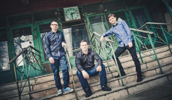 Going. | Tubis Trio - Impart