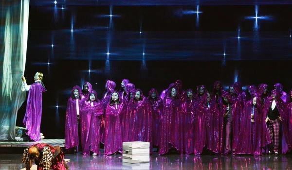Going. | Rigoletto – opera Giuseppe Verdiego - Opera Nova