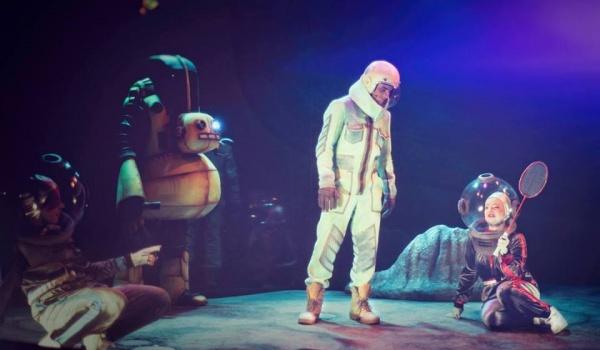 Going.   Niezwykły lot pilota Pirxa - Teatr Miejski w Gliwicach