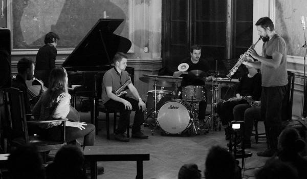 Going. | Otwarta próba Łódzkiej Orkiestry Improwizatorów - Poleski Ośrodek Sztuki w Łodzi
