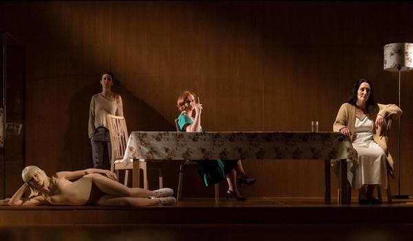 Going. | Mary Page Marlowe - Teatr Wybrzeze
