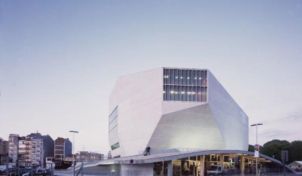 Going. | REM Koolhaas – Starchitekt | Projekcja w ramach Miastoprojekcje - Instytut Kultury Miejskiej