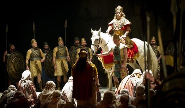 Going. | Nabucco - TEATR WIELKI - OPERA POZNAŃ