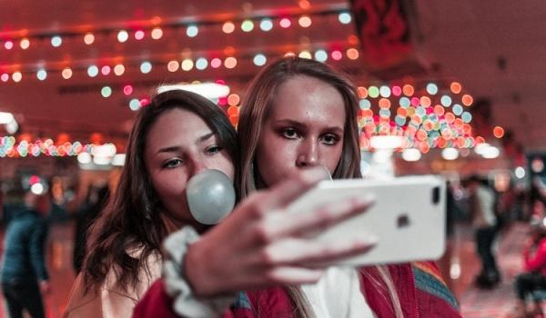 Going. | Let Me Take a Selfie - Frantic Club