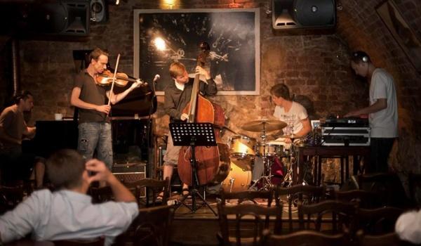 Going. | Futurethno - Harris Piano Jazz Bar