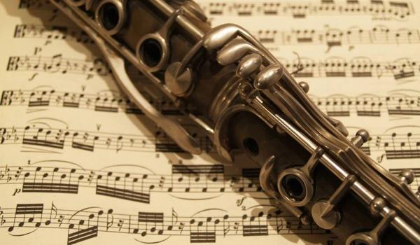 Going. | Poranek Seniora – śniadaniowy koncert muzyki klasycznej - Centrum Kultury Dwór Artusa