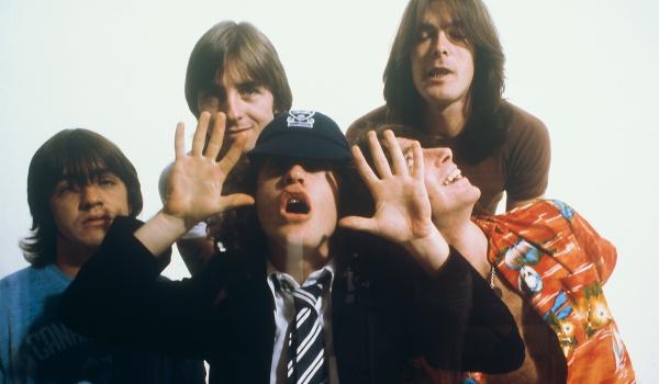 Going. | AC/DC by 4 Szmery Tribute Band - 6-Ścian PUB Sześcian