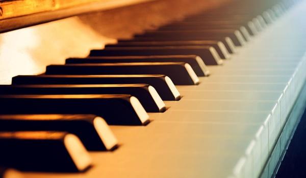 Going. | Pianowieczór - Karol Szmuksta - Jazzon Live Jazz Club