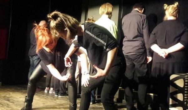 Going. | Sugerancja - Teatr Improwizacji (krótkie formy) - Hormon
