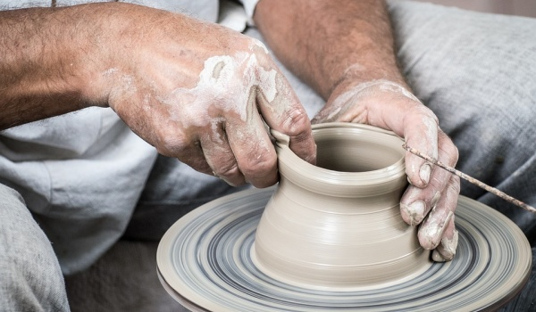 Going. | Warsztaty ceramiki - część 2. szkliwienie - Niezła Sztuka