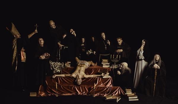 Going. | Imię Róży - Teatr im. Juliusza Słowackiego w Krakowie - Duża Scena