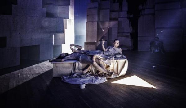 """Going.   Zapis spektaklu """"Uczta"""" Nowego Teatru w Warszawie - Centrum Spotkania Kultur w Lublinie"""