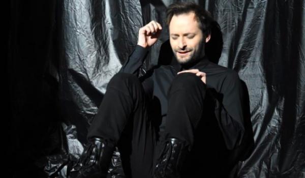 Going.   Ja Jestem Hamlet - Teatr Nowy im. Tadeusza Łomnickiego w Poznaniu