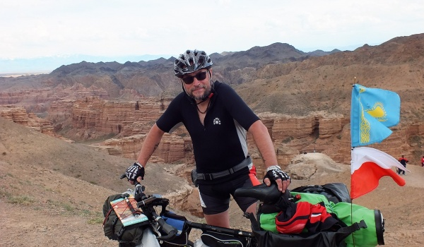 Going. | Przez góry i stepy Kazachstanu-rowerowa wyprawa Waldka Maliny - Klub Podróżników - Namaste