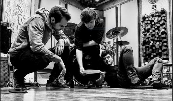 Going. | Koncert Jackdaws - Drzwi Zwane Koniem