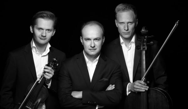 Going. | Nastrojowa kameralistyka (Penderecki Piano Trio) - XXIII Festiwal Muzyki Kameralnej WIECZORY W ARSENALE - Dziedziniec wrocławskiego Arsenału