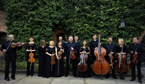 Going. | Koncerty Haydna i muzyka filmowa - Dziedziniec wrocławskiego Arsenału