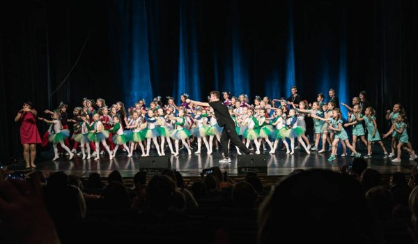 Going. | DanceOFFnia Session, Koncert I - Sala Teatralna / Wydział Pedagogiki i Psychologii UwB