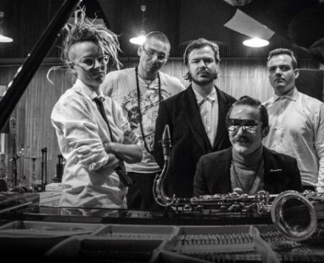Going. | Wojtek Mazolewski Quintet i goście w NOSPR