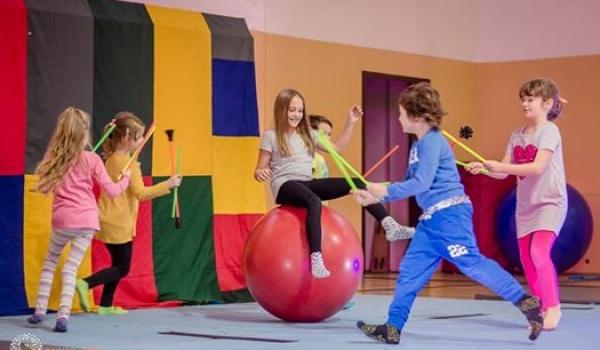 Going. | Żongluj i migaj razem z nami! - Fundacja Sztukmistrze