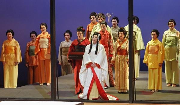 Going.   Madama Butterfly - opera G. Pucciniego - Opera Nova
