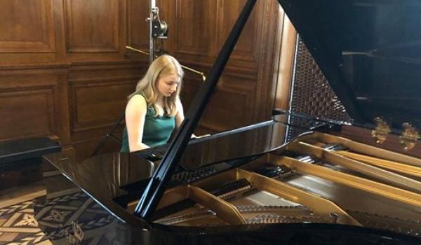 Going. | Magdalena Jaroszewicz - recital fortepianowy - Muzeum Książki Artystycznej