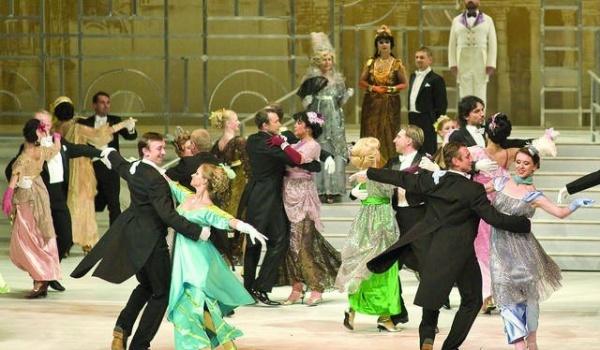 Going. | My fair lady - Opera Nova