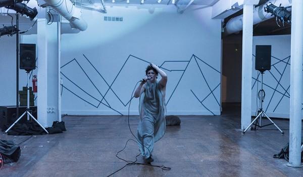 Going.   Action is primary / Wychodząc od działania, reż. Meg Foley, Maria Stokłosa - Galeria na dziedzińcu sztuki