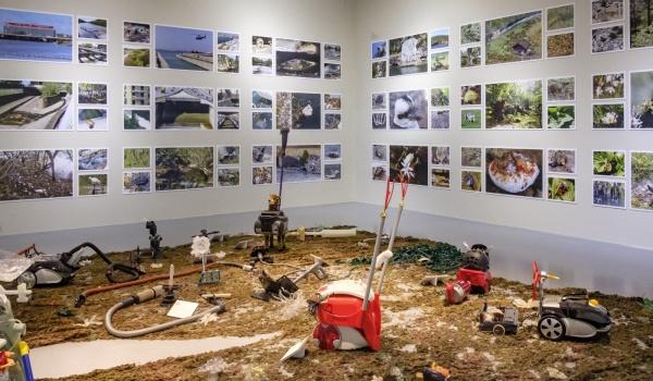 Going.   Dwie wystawy: Bezludzka Ziemia oraz Centrum Natury Współczesnej w ramach projektu Plastyczność planety - CSW Zamek Ujazdowski