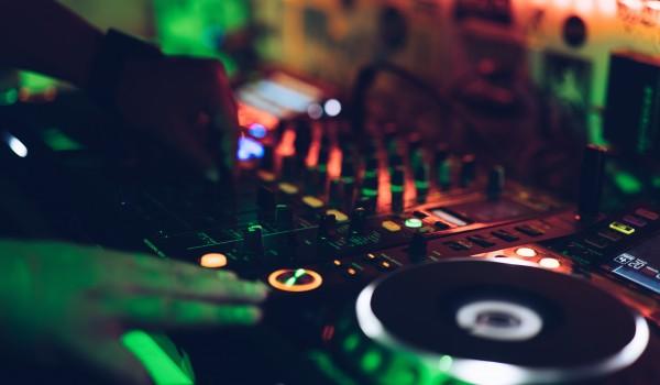 Going. | Cykl Prawdziwe Techno // Sin [tama] x G-Sound x FM - SODA Underground Stage