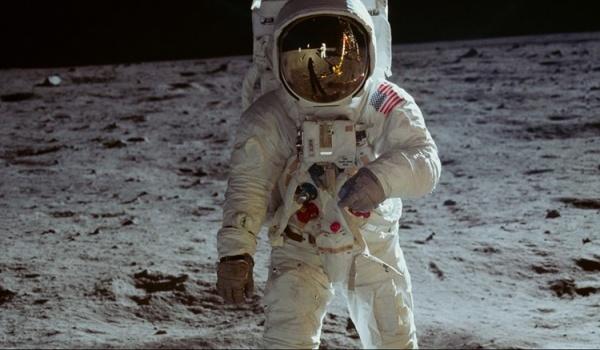 Going. | Apollo 11 - pokaz z okazji 50. rocznicy lądowania na Księżycu - Kino Centrum