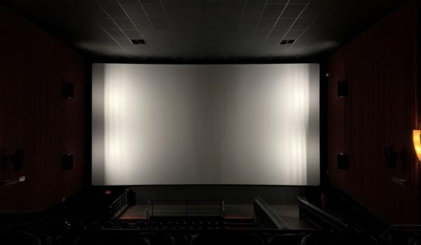 Going.   Wieczna młodość - kino plenerowe na Pradze Południe - Park im. Józefa Polińskiego w Warszawie