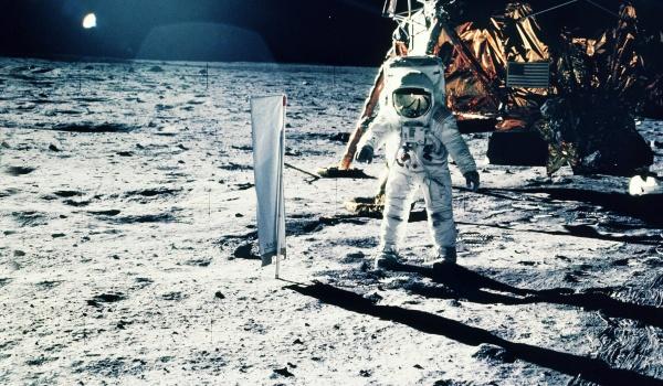 Going. | Księżycowy Wieczór - Apollo11 - Wojewódzki Dom Kultury w Rzeszowie