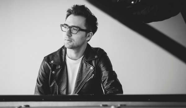 Going. | Lato Konesera: Koncertowe piątki | Aleksander Dębicz - Centrum Praskie Koneser