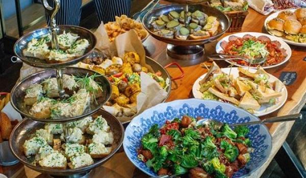 Going. | Hiszpański, sobotni bufet śniadanowy w Casablance - Casablanca Biały Kamień