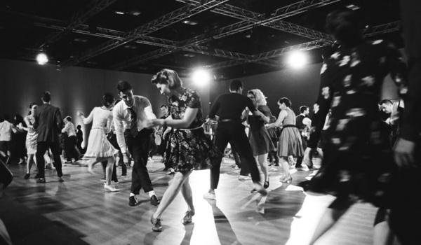 Going.   Niezły Swing - potańcówka retro - Niezła Sztuka
