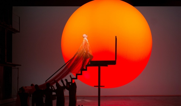 Going.   The MET: Echnaton - Teatr Stary w Lublinie Profil Oficjalny