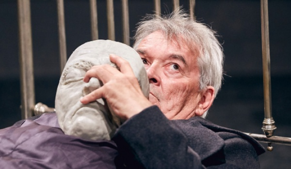 Going. | Hamlet – Komentarz - Gdański Teatr Szekspirowski