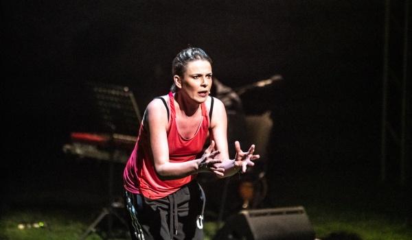 Going. | Kobieta, która wpadała na drzwi - Teatr WARSawy