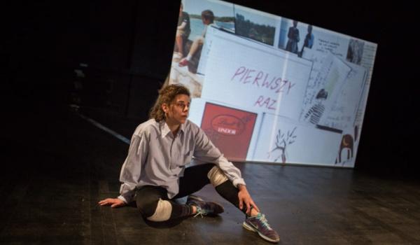 Going. | Dziewczyny Opisują Świat - Scena Robocza Centrum Rezydencji Teatralnej