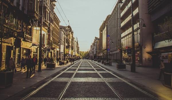 Going.   Porozmawiajmy o Śląsku #4: Katowice, Warszawska. Burzliwa historia niezwykłej ulicy - spacer   Empik Galeria Katowicka - Galeria Katowicka