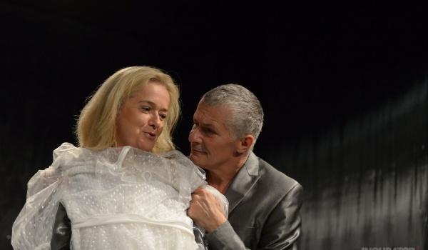 Going. | Przytuleni w reż. Gabriela Gietzky'ego w Teatrze Bez Sceny - Teatr Bez Sceny