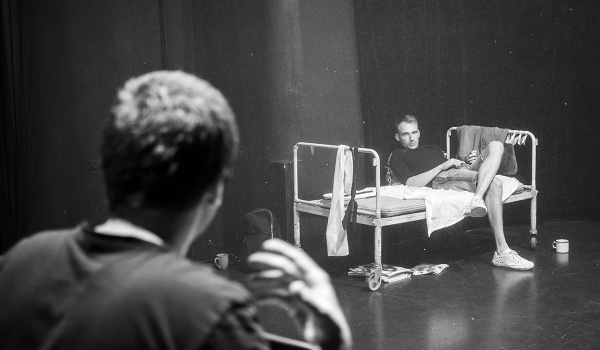 Going. | Emigranci - Teatr im. Juliusza Osterwy w Lublinie