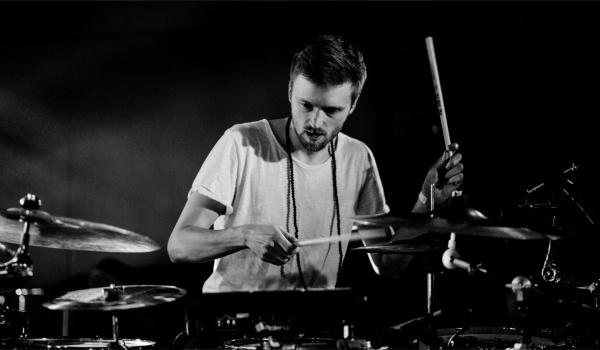 Going. | Gniewomir Tomczyk / Project - BARdzo bardzo